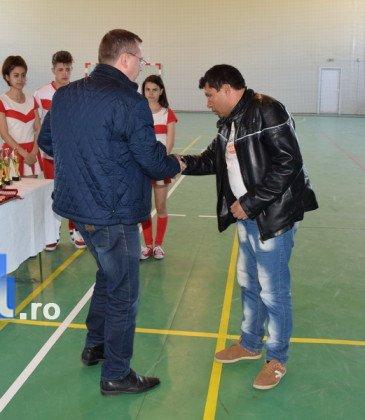 Premiere minifotbal 25 365x420 - GALERIE FOTO: Câștigătorii cupei orașului Panciu la minifotbal, premiați de primarul Iulian Nica
