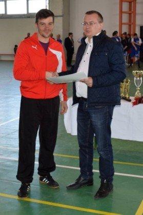 Premiere minifotbal 31 279x420 - GALERIE FOTO: Câștigătorii cupei orașului Panciu la minifotbal, premiați de primarul Iulian Nica