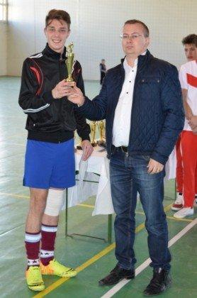 Premiere minifotbal 41 278x420 - GALERIE FOTO: Câștigătorii cupei orașului Panciu la minifotbal, premiați de primarul Iulian Nica