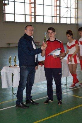 Premiere minifotbal 45 280x420 - GALERIE FOTO: Câștigătorii cupei orașului Panciu la minifotbal, premiați de primarul Iulian Nica