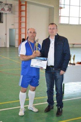 Premiere minifotbal 49 280x420 - GALERIE FOTO: Câștigătorii cupei orașului Panciu la minifotbal, premiați de primarul Iulian Nica