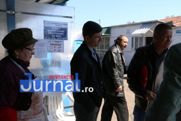 controale politie dsv4 3 630x420 - GALERIE FOTO: Ample controale ale Poliției și ale DSV în piețele din Vrancea
