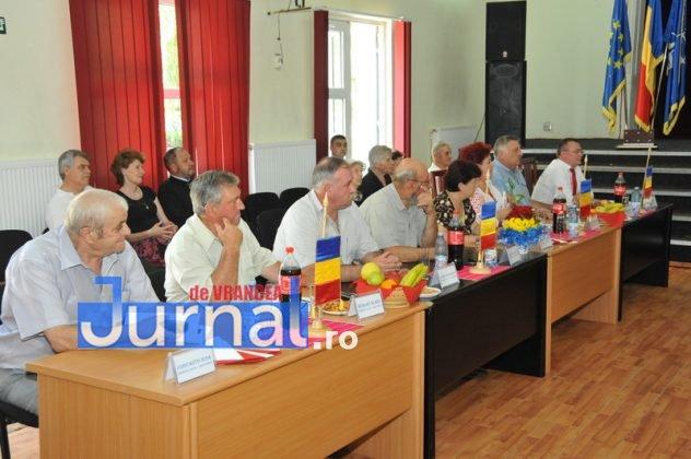 Depunere juramant 53 632x420 - GALERIE FOTO: Primarul Iulian Nica și consilierii locali din Panciu au depus jurământul