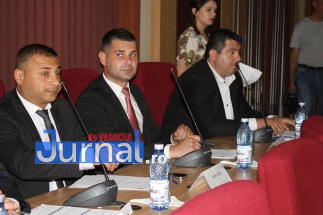 IMG 6005 630x420 - GALERIE FOTO: Marian Oprișan, președinte la al cincilea mandat. Bîrlădeanu și Ionel Cel–Mare, aleși vicepreședinți ai Consiliului Județean