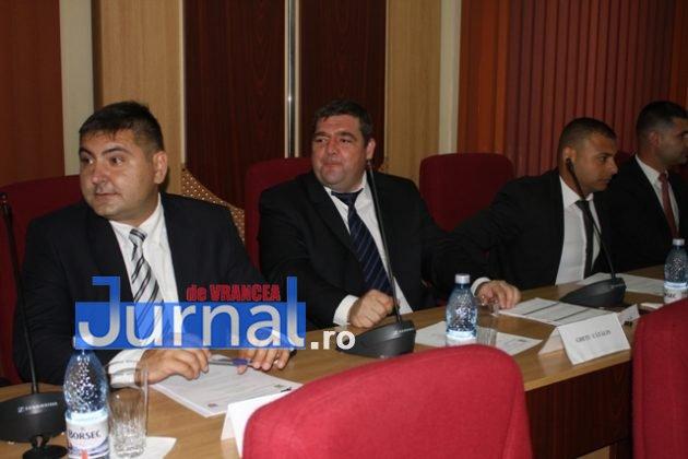 IMG 6006 630x420 - GALERIE FOTO: Marian Oprișan, președinte la al cincilea mandat. Bîrlădeanu și Ionel Cel–Mare, aleși vicepreședinți ai Consiliului Județean
