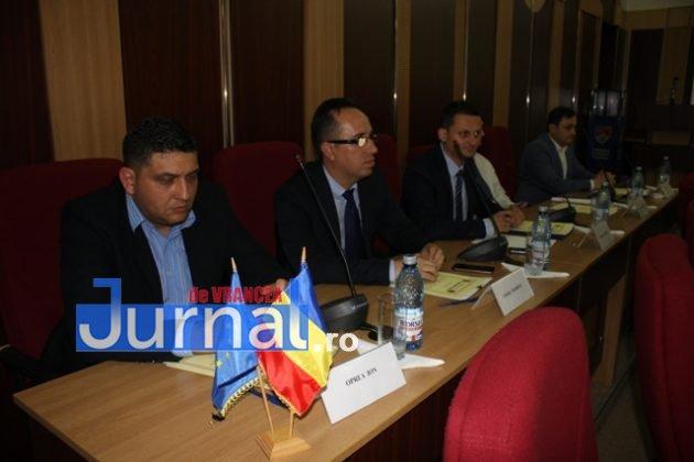 IMG 6015 630x420 - GALERIE FOTO: Marian Oprișan, președinte la al cincilea mandat. Bîrlădeanu și Ionel Cel–Mare, aleși vicepreședinți ai Consiliului Județean