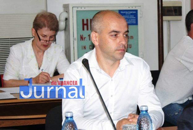 IMG 6193 624x420 - Constituirea CLM Focșani, amânată din lipsa de cvorum. Declarații și reacții AICI!