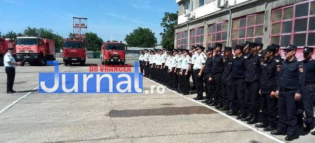 isu vrancea1 - Pompierii vrânceni au ţinut un moment de reculegere în memoria colegului lor mort în intervenţia de la Jilava