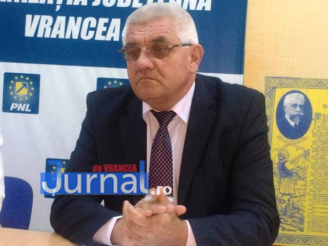 """nicolae braicau primar ciorasti - """"Gunoiul va împuți Vrancea""""! Doi primari răstoarnă Consiliul Județean"""