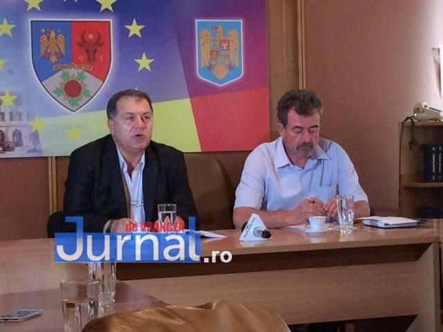 """romeo iordache - """"Gunoiul va împuți Vrancea""""! Doi primari răstoarnă Consiliul Județean"""