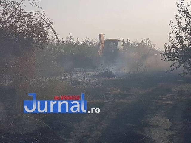 livada biliesti3 - Mobilizare la Biliești, unde livada a fost la un pas să fie mistuită de flăcări