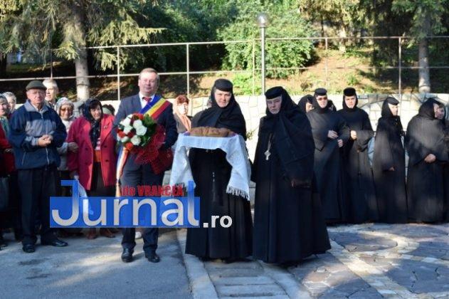 Hram Brazi 2016 1 631x420 - GALERIE FOTO: ÎPS Ioachim Băcăuanu a oficiat Sfânta Liturghie Arhierească prilejuită de hramul Mănăstirii Brazi