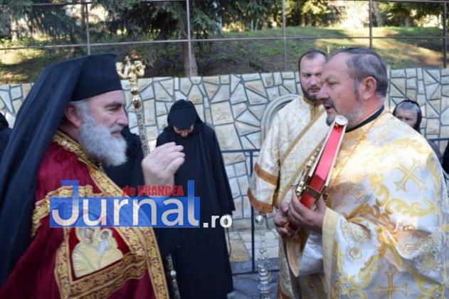 Hram Brazi 2016 10 631x420 - GALERIE FOTO: ÎPS Ioachim Băcăuanu a oficiat Sfânta Liturghie Arhierească prilejuită de hramul Mănăstirii Brazi
