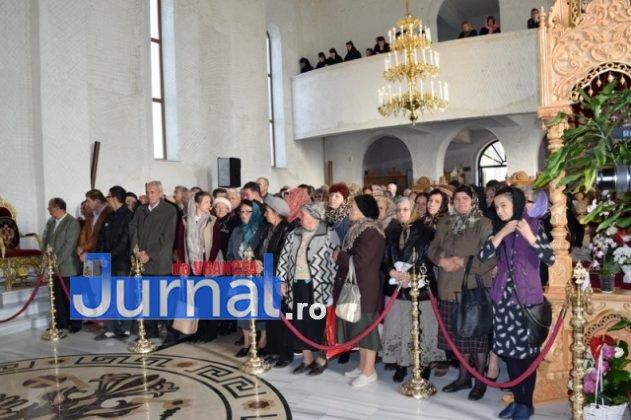 Hram Brazi 2016 14 631x420 - GALERIE FOTO: ÎPS Ioachim Băcăuanu a oficiat Sfânta Liturghie Arhierească prilejuită de hramul Mănăstirii Brazi