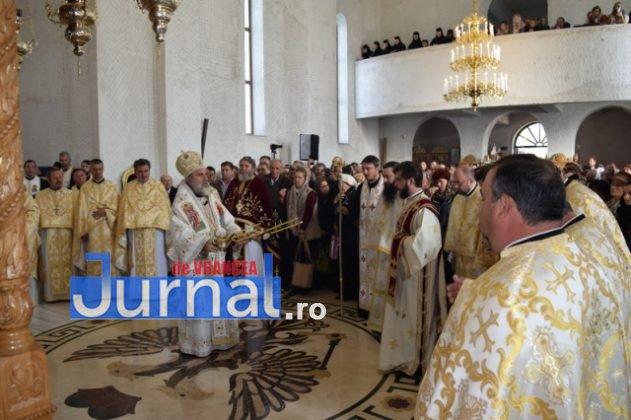 Hram Brazi 2016 19 631x420 - GALERIE FOTO: ÎPS Ioachim Băcăuanu a oficiat Sfânta Liturghie Arhierească prilejuită de hramul Mănăstirii Brazi
