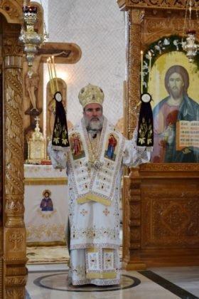 Hram Brazi 2016 25 280x420 - GALERIE FOTO: ÎPS Ioachim Băcăuanu a oficiat Sfânta Liturghie Arhierească prilejuită de hramul Mănăstirii Brazi