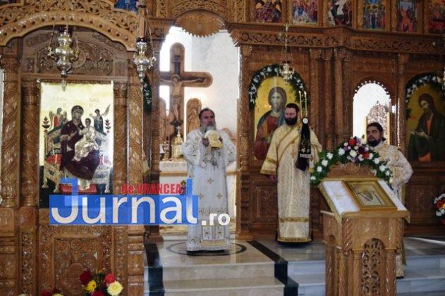 Hram Brazi 2016 29 631x420 - GALERIE FOTO: ÎPS Ioachim Băcăuanu a oficiat Sfânta Liturghie Arhierească prilejuită de hramul Mănăstirii Brazi