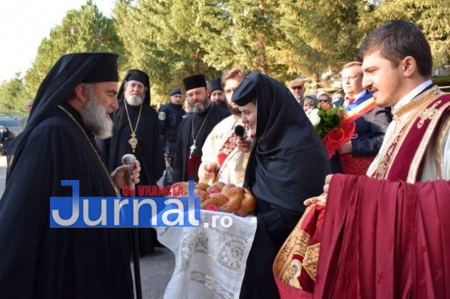 Hram Brazi 2016 3 631x420 - GALERIE FOTO: ÎPS Ioachim Băcăuanu a oficiat Sfânta Liturghie Arhierească prilejuită de hramul Mănăstirii Brazi