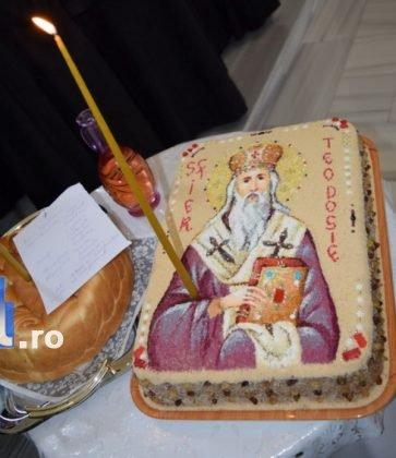 Hram Brazi 2016 35 363x420 - GALERIE FOTO: ÎPS Ioachim Băcăuanu a oficiat Sfânta Liturghie Arhierească prilejuită de hramul Mănăstirii Brazi