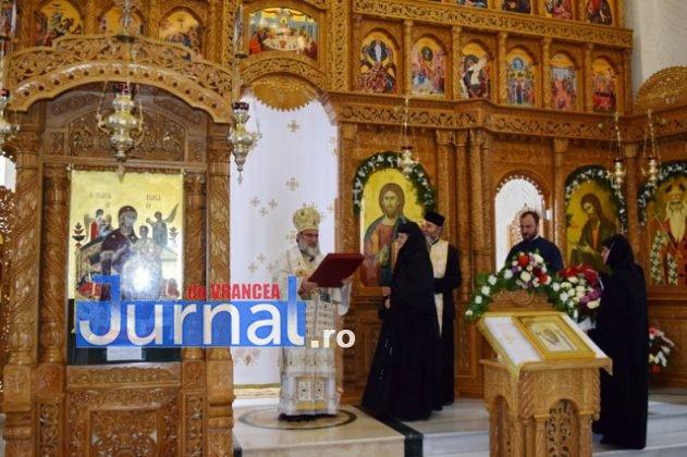 Hram Brazi 2016 45 631x420 - GALERIE FOTO: ÎPS Ioachim Băcăuanu a oficiat Sfânta Liturghie Arhierească prilejuită de hramul Mănăstirii Brazi