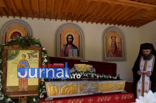 Hram Brazi 2016 47 631x420 - GALERIE FOTO: ÎPS Ioachim Băcăuanu a oficiat Sfânta Liturghie Arhierească prilejuită de hramul Mănăstirii Brazi