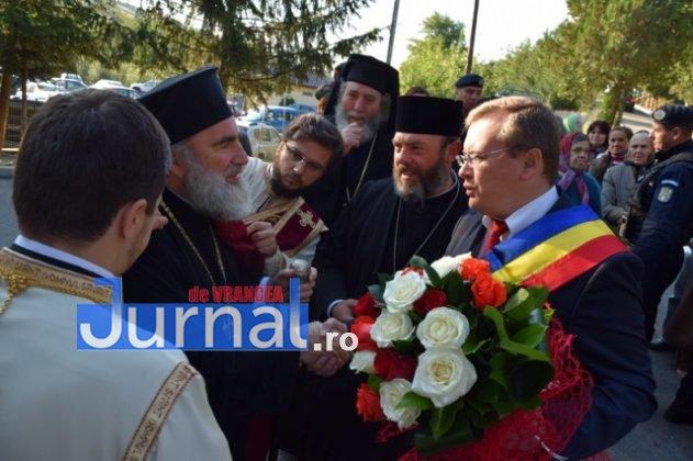 Hram Brazi 2016 6 631x420 - GALERIE FOTO: ÎPS Ioachim Băcăuanu a oficiat Sfânta Liturghie Arhierească prilejuită de hramul Mănăstirii Brazi