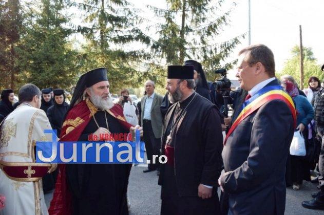 Hram Brazi 2016 8 631x420 - GALERIE FOTO: ÎPS Ioachim Băcăuanu a oficiat Sfânta Liturghie Arhierească prilejuită de hramul Mănăstirii Brazi