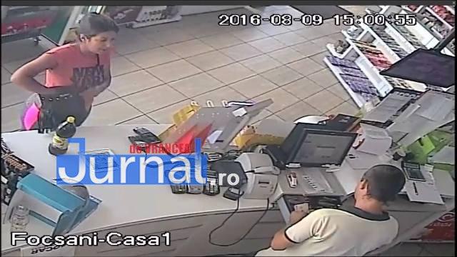 hoti benzinarie3 - Un bărbat şi o femeie, căutaţi pentru înşelăciune. Poliţiştii cer ajutorul populaţiei