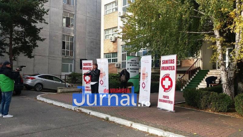14800300 1452900138071473 772432338 o - FOTO: Halatele albe din Vrancea au protestat pe ritmuri rock și de hip-hop