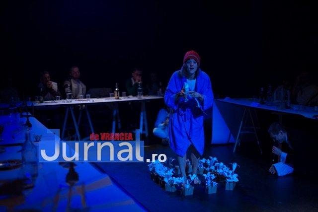 Foamea noastra cea de toate zilele 2 - Spectacol-eveniment pe scena Teatrului din Focșani, cu număr limitat de spectatori. Intrarea este LIBERĂ!
