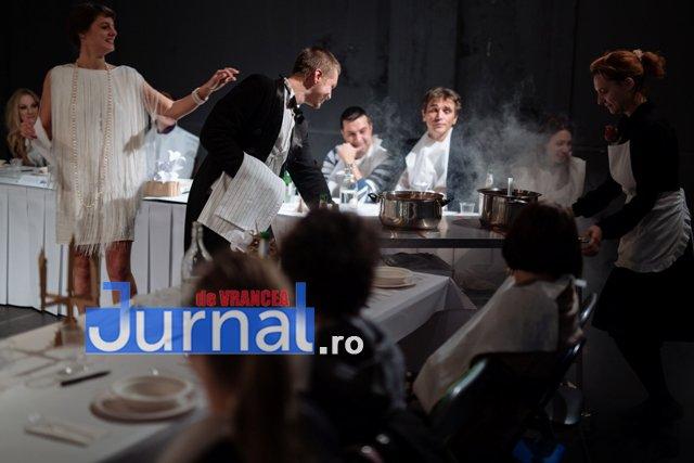 Foamea noastra cea de toate zilele 3 - Spectacol-eveniment pe scena Teatrului din Focșani, cu număr limitat de spectatori. Intrarea este LIBERĂ!