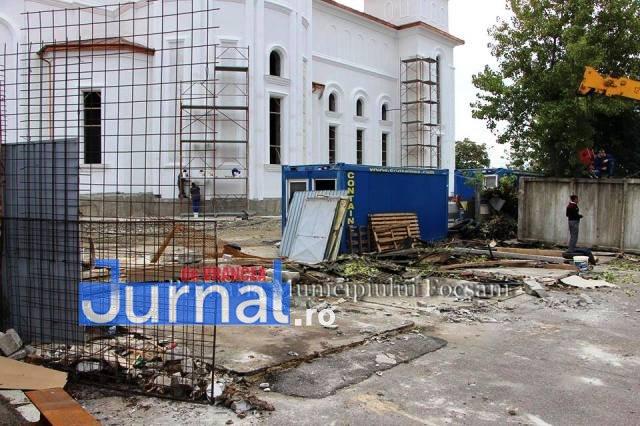 catedrala focsani - Primăria Focșani se angajează să facă un loc de promenadă la noua Catedrală