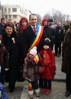 1parada 1 decembrie focsani 2016 305x420 - GALERIE FOTO: Cum s-a sărbătorit la Focșani Ziua Națională a României