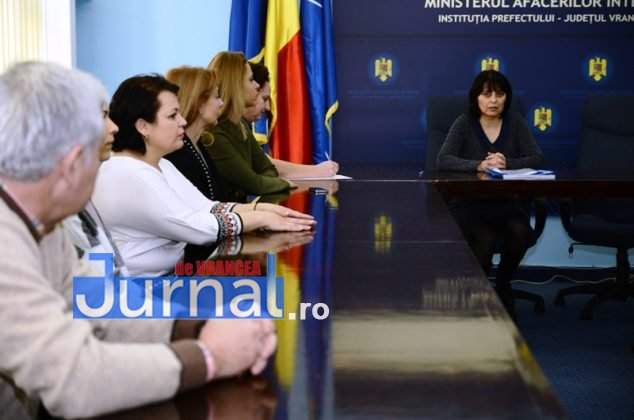 DSC 0523 634x420 - FOTO: Dezinteres sau lipsă de comunicare? Doar TREI dintre parlamentarii aleși și-au luat certificatele de la Biroul Electoral Județean