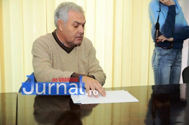 DSC 0529 634x420 - FOTO: Dezinteres sau lipsă de comunicare? Doar TREI dintre parlamentarii aleși și-au luat certificatele de la Biroul Electoral Județean