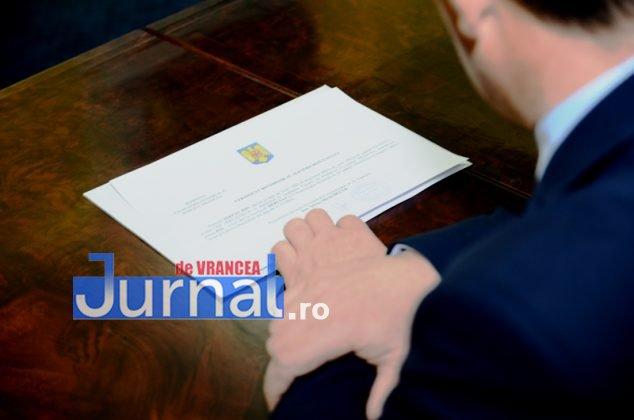 DSC 0536 634x420 - FOTO: Dezinteres sau lipsă de comunicare? Doar TREI dintre parlamentarii aleși și-au luat certificatele de la Biroul Electoral Județean