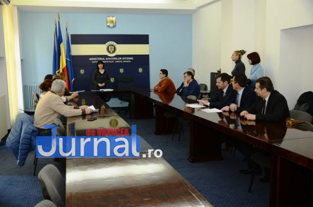 DSC 0537 634x420 - FOTO: Dezinteres sau lipsă de comunicare? Doar TREI dintre parlamentarii aleși și-au luat certificatele de la Biroul Electoral Județean