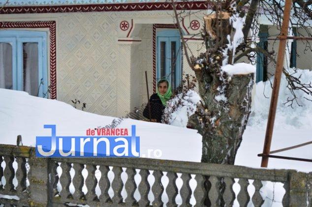DSC 7622 634x420 - GALERIE FOTO: Urmările viscolului aprig. Oamenii din Nănești și Măicănești, îngropați din nou în nămeți