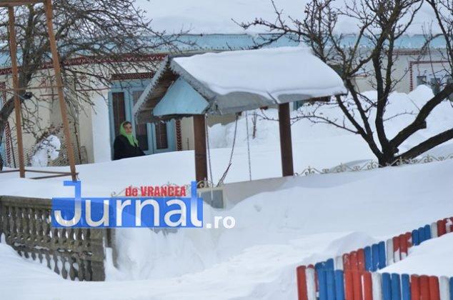 DSC 7623 634x420 - GALERIE FOTO: Urmările viscolului aprig. Oamenii din Nănești și Măicănești, îngropați din nou în nămeți