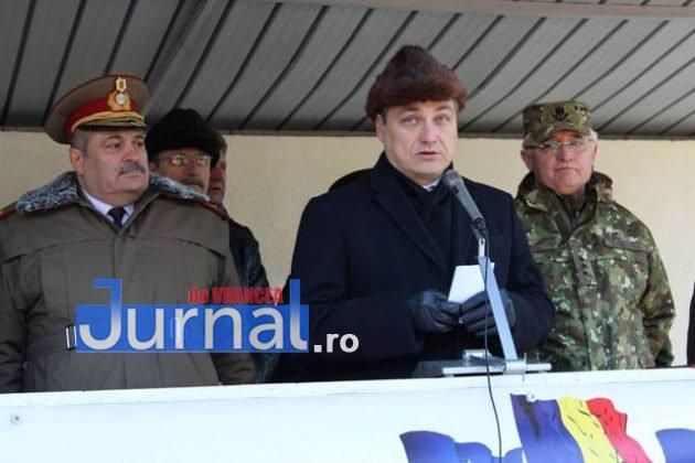 larom ceremonie predare primire1 630x420 - GALERIE FOTO: Colonel Ciprian Marin, noul comandant al Brigăzii 8 LAROM