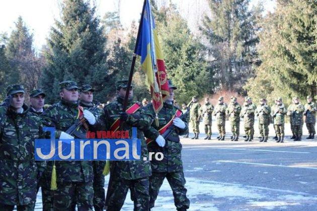 larom ceremonie predare primire10 630x420 - GALERIE FOTO: Colonel Ciprian Marin, noul comandant al Brigăzii 8 LAROM