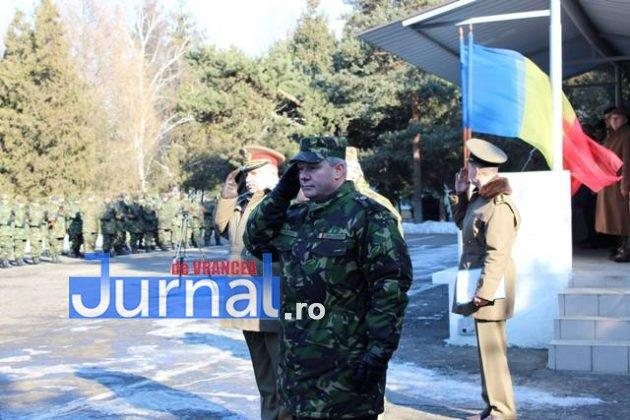 larom ceremonie predare primire5 630x420 - GALERIE FOTO: Colonel Ciprian Marin, noul comandant al Brigăzii 8 LAROM