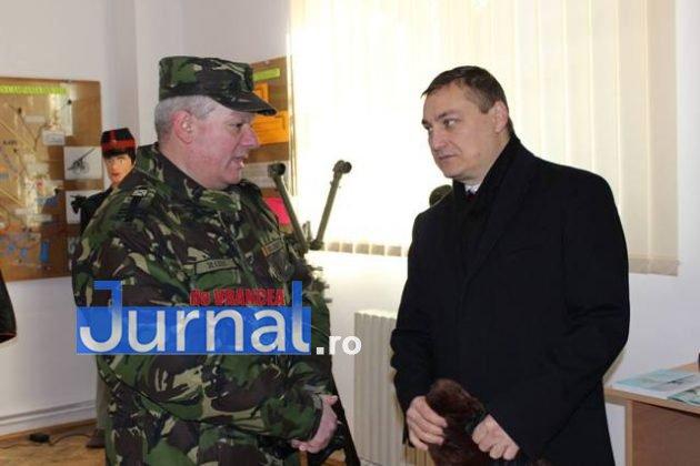 larom ceremonie predare primire7 630x420 - GALERIE FOTO: Colonel Ciprian Marin, noul comandant al Brigăzii 8 LAROM