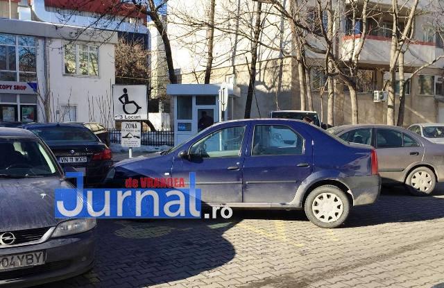 parcare-3-locuri-handicap-1
