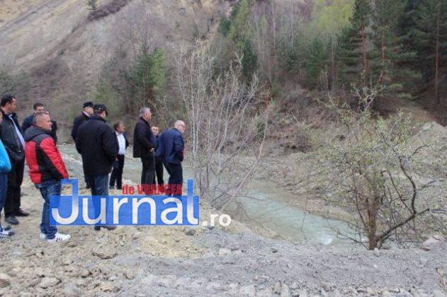 vizita cnair dn2r dn2n 2 631x420 - Șefii din CNAIR, în inspecție la drumurile rupte din Vrancea