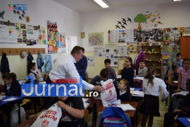 Cadouri 1 Iunie 10 631x420 - FOTO: Copiii din Panciu au primit cadouri cu ocazia zilei de 1 Iunie
