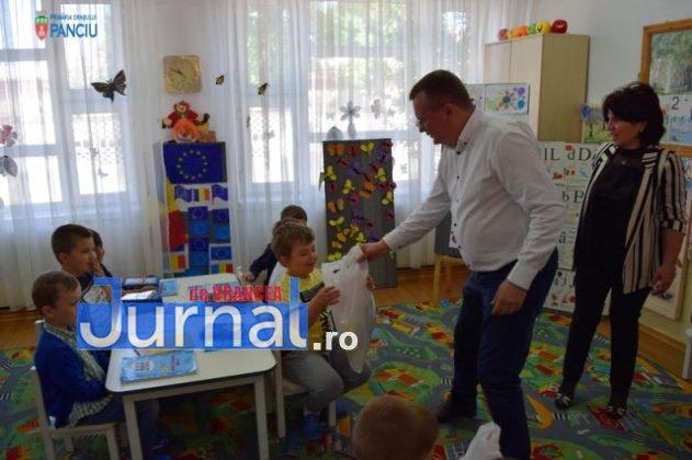 Cadouri 1 Iunie 43 631x420 - FOTO: Copiii din Panciu au primit cadouri cu ocazia zilei de 1 Iunie