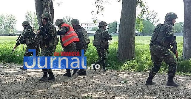antrenament militari2 - FOTO: Cum se antrenează militarii focșăneni pentru misiunile din Afganistan
