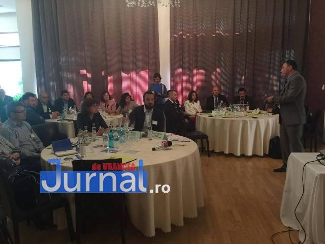 """imm laguna intalnire3 - Dezbatere la Focșani pe tema """"Soluții pentru dezvoltarea IMM-urilor"""""""