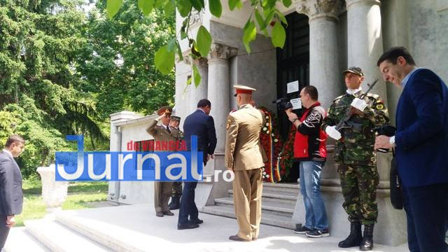 ziua eroilor2 - FOTO: Eroii Neamului, comemorați la Mausoleul Focșani și la celelalte mausolee din județ